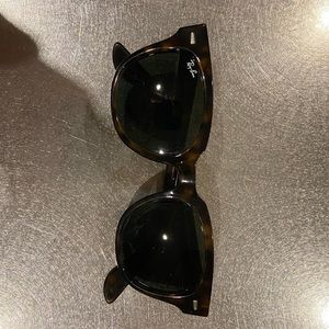 Ray-Bands Meteor Authentic Sungless